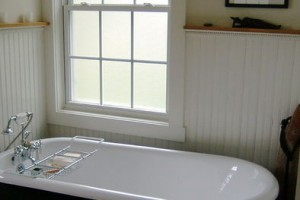 How To Paint Your Old Bathtub