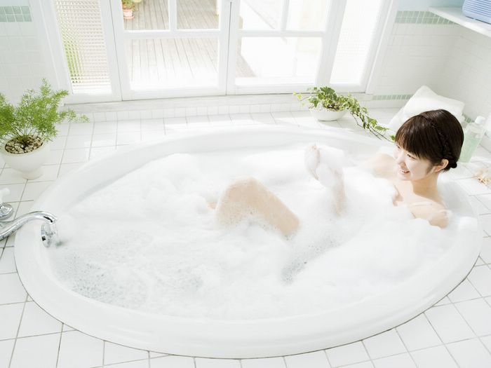 The simplest to silliest things to do in a bathroom