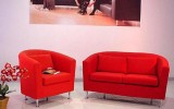 <b>Choosing Art in Modern Living Room Ideas</b>