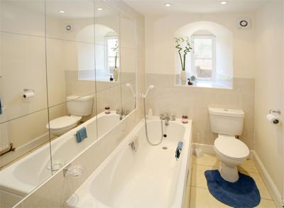 How To Make A Small Bathroom Look Bigger Tips On How To