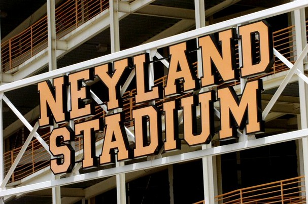 The Reason of Neyland Stadium Renovations 2010