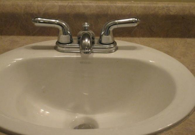 Built-in-Sinks Countertops for Bathroom Improvement