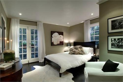 Taupe bedroom create taupe bedroom for Taupe bedroom ideas